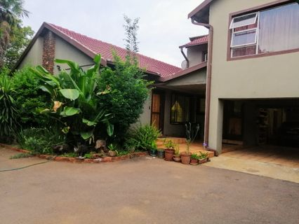 R 1,750,000 - 4 Bed House For Sale in Pierre Van Ryneveld