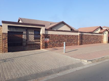 R 790,000 - 3 Bed House For Sale in Jabulani