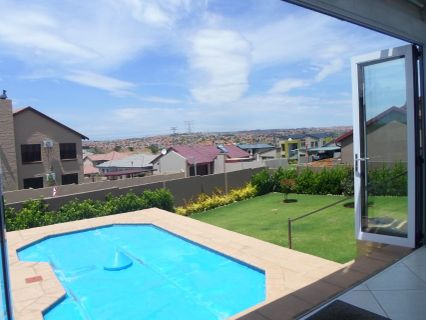 R 2,650,000 - 3 Bed Home For Sale in Amberfield Valley