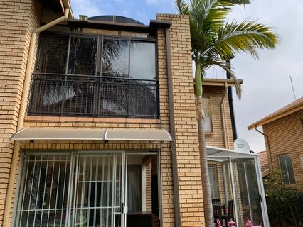 R 1,995,000 - 3 Bed House For Sale in Amberfield Glen
