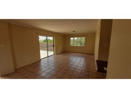 R 650,000 - 2 Bed Flat For Sale in Florauna