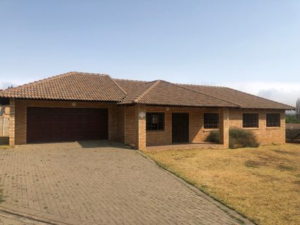 R 1,060,000 - 3 Bed Home For Sale in Harrismith