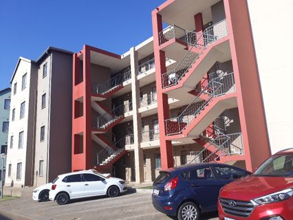 R 450,000 - 2 Bed Flat For Sale in Jabulani