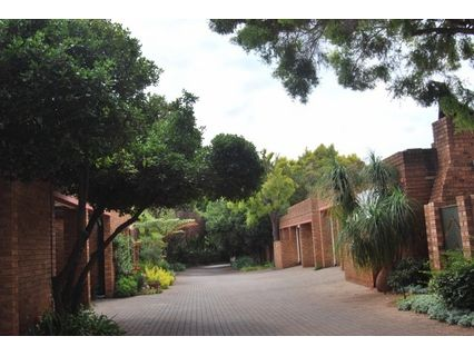 R 1,699,999 - 3 Bed Property For Sale in Eldoraigne