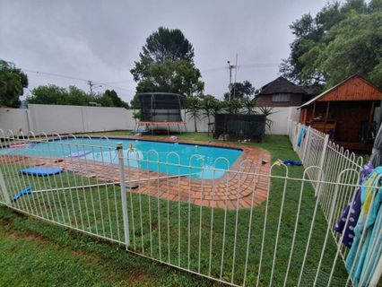 R 1,600,000 - 4 Bed House For Sale in Doringkloof