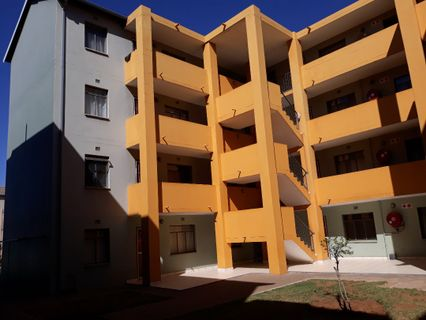 R 470,000 - 2 Bed Flat For Sale in Jabulani