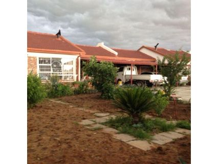 R 2,200,000 - 4 Bed Smallholding For Sale in Bloemfontein