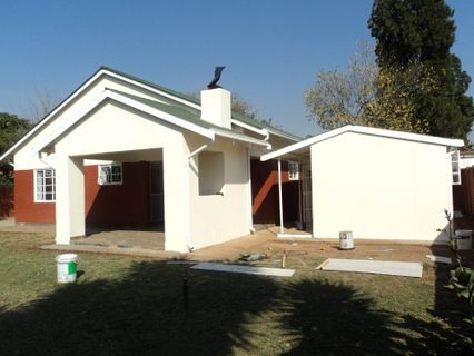 R 1,200,000 - 3 Bed House For Sale in Lindopark