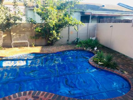 R 12,500 - 3 Bed Property To Let in Table View