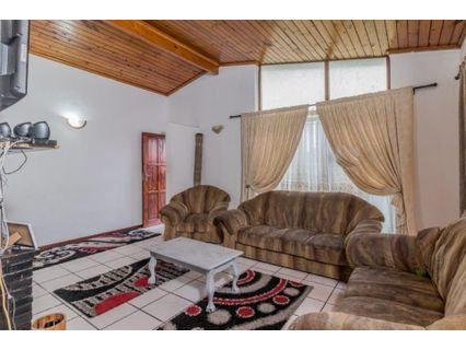 R 1,120,000 - 3 Bed House For Sale in Peerless Park West