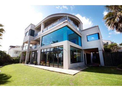 R 9,800,000 - 5 Bed House For Sale in Bloubergstrand