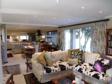 R 4,295,000 - 5 Bed House For Sale in Waves Edge
