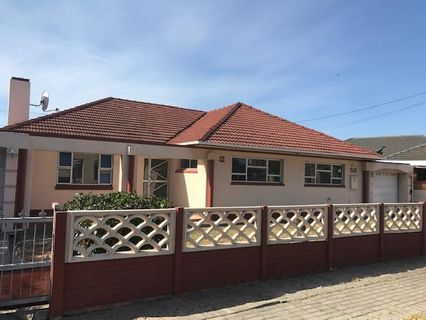 R 2,640,000 - 4 Bed House For Sale in Thornton