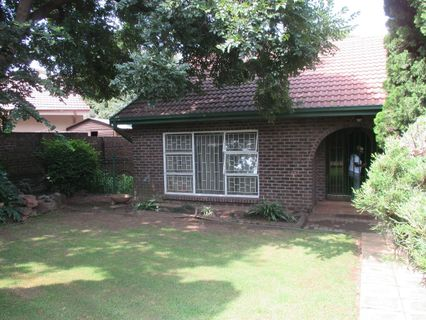 R 3,150,000 - 3 Bed House For Sale in Overkruin