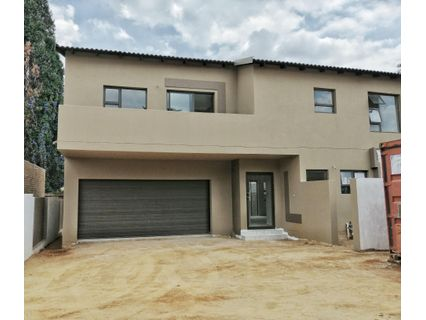 R 1,670,000 - 3 Bed Home For Sale in Monument