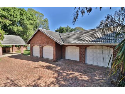R 2,750,000 - 4 Bed Home For Sale in Kloof