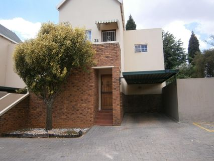 R 872,000 - 2 Bed Property For Sale in Radiokop