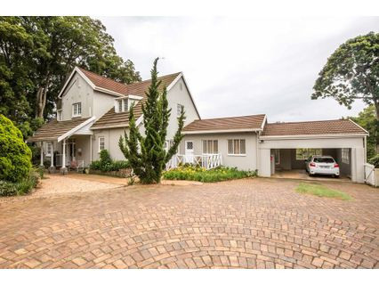 R 3,100,000 - 4 Bed House For Sale in Kloof