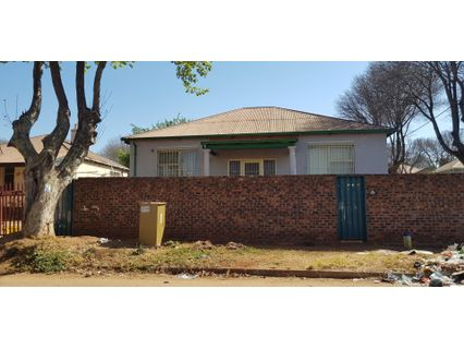 R 599,000 - 2 Bed Property For Sale in Malvern