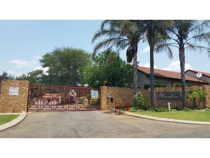 R 6,300 - 1 Bed Property To Rent in Randpark Ridge
