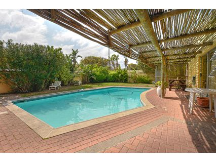 R 2,995,000 - 4 Bed Home For Sale in Waves Edge