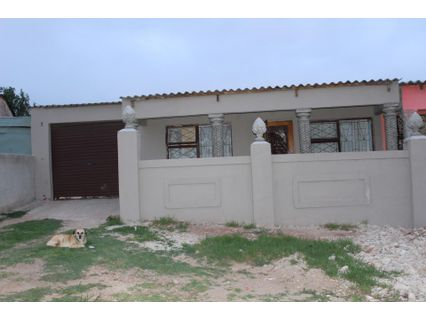 R 359,000 - 4 Bed House For Sale in Uitenhage