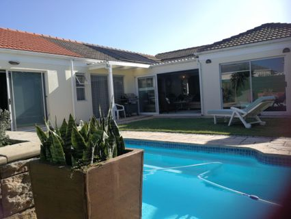 R 3,250,000 - 4 Bed Property For Sale in Sunningdale