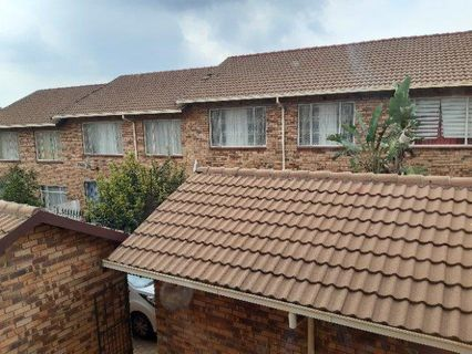 R 680,000 - 2 Bed Property For Sale in Lindhaven