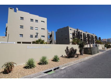 R 1,795,000 - 3 Bed Flat For Sale in Bloubergstrand