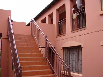 R 450,000 - 2 Bed Flat For Sale in Delarey