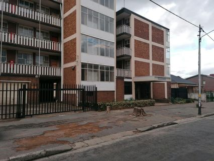 R 430,000 - 1.5 Bed Flat For Sale in Germiston Central