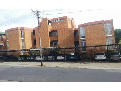 R 335,000 - 2 Bed Flat For Sale in Bellevue East
