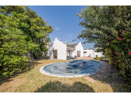 R 2,800,000 - 3 Bed House For Sale in Waves Edge