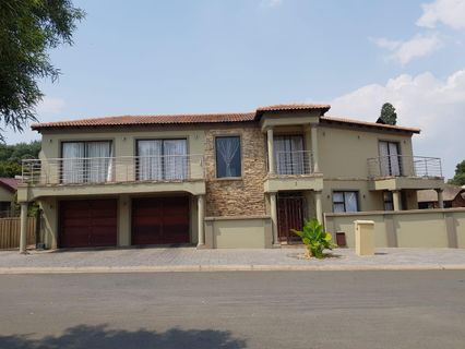 R 4,060,000 - 5 Bed House For Sale in Visagie Park