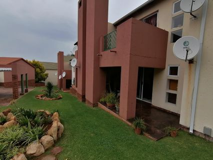 R 700,000 - 2 Bed Property For Sale in Winchester Hills