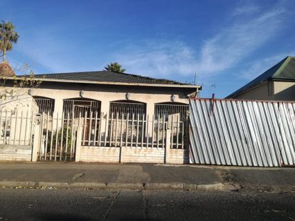 R 820,000 - 4 Bed Home For Sale in La Rochelle