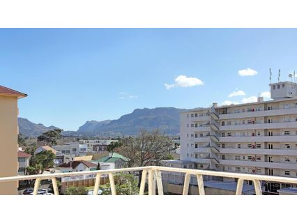 R 1,245,000 - 2 Bed Flat For Sale in Plumstead