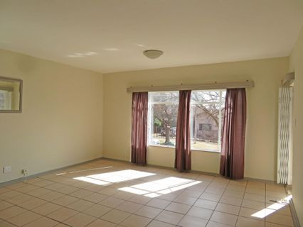 R 495,000 - 2 Bed Flat For Sale in Benoni Central