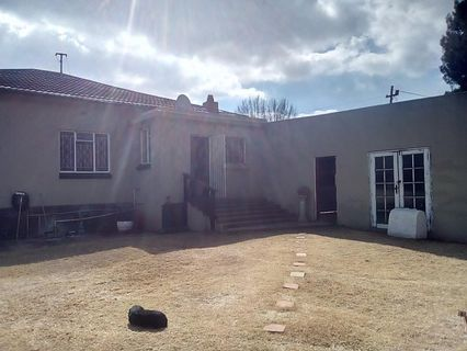 R 1,200,000 - 2 Bed Property For Sale in Primrose Hill