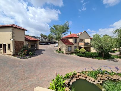 R 5,800 - 1 Bed Apartment To Let in Randpark Ridge