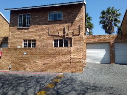 R 1,195,000 - 2 Bed Property For Sale in Sundowner