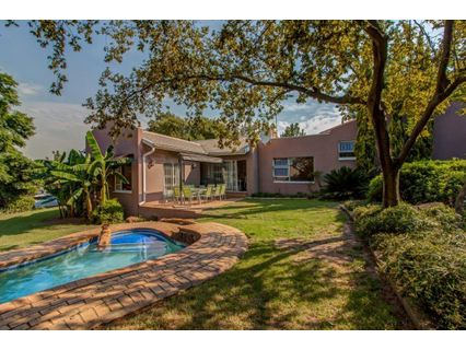R 2,500,000 - 3 Bed House For Sale in Olivedale