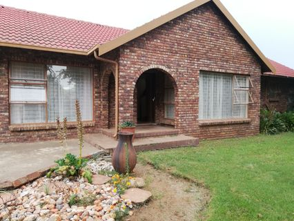 R 910,000 - 3 Bed Property For Sale in Bergsig