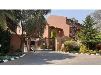 R 840,000 - 2 Bed Apartment For Sale in Buurendal
