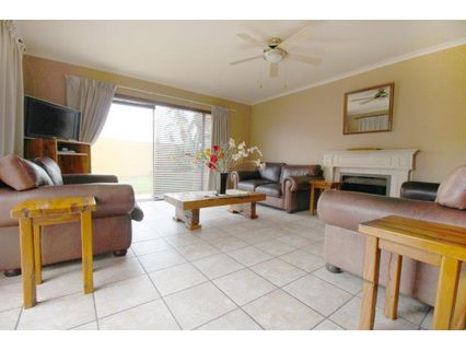 R 2,695,000 - 4 Bed Home For Sale in Flamingo Vlei
