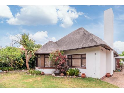 R 3,400,000 - 5 Bed House For Sale in Pinelands