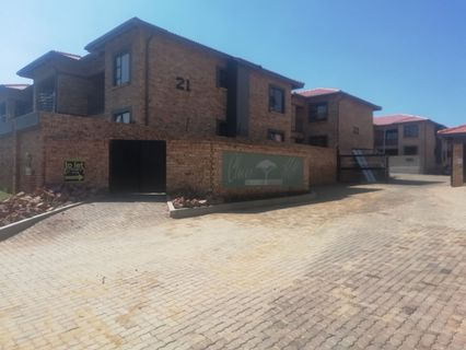 R 550,000 - 2 Bed Property For Sale in Cloverdene
