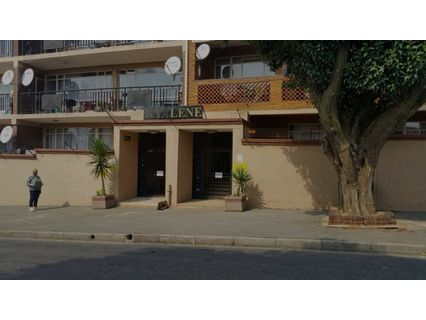 R 550,000 - 2 Bed House For Sale in Primrose