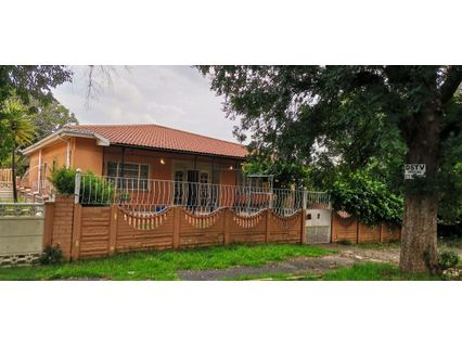 R 920,000 - 3 Bed Home For Sale in Forest Hill