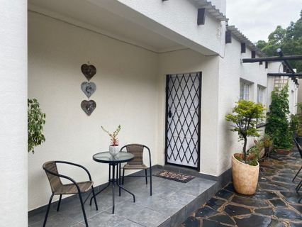 R 6,500 - 1 Bed Property To Let in Weltevreden Park